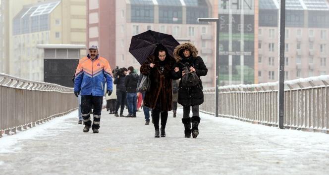 'İstanbul'da kar yağmayacak öngörüsü 2030'lar için geçerli'