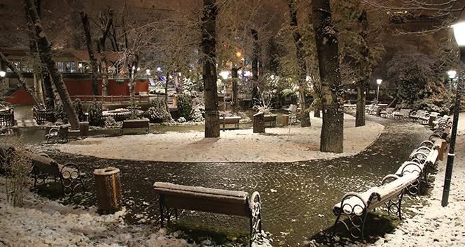 Ankara'da kartpostallık kar manzaraları