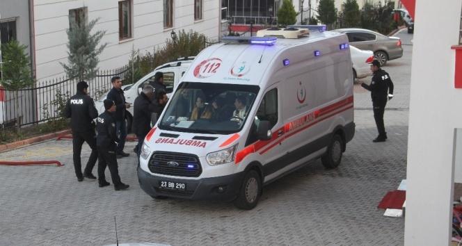 Elazığ'da eski koca dehşeti: 1 ölü, 2 yaralı