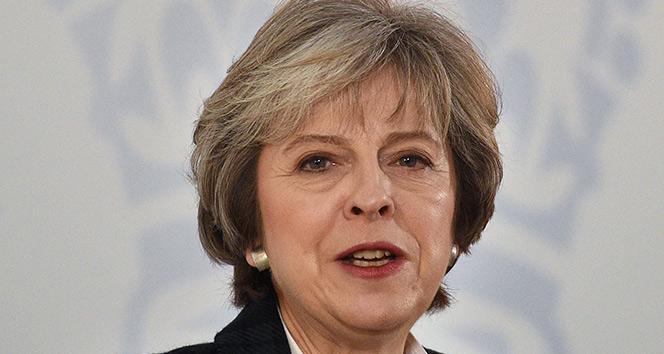 Theresa May, 2022 seçimlerinde aday olmayacağını doğruladı