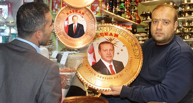 Cumhurbaşkanı Erdoğan işlemeli bakır tepsilere yoğun ilgi