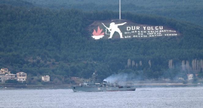 Rus savaş gemisi Çanakkale Boğazı'ndan geçti |Ege Denizi'ne doğru yol aldı