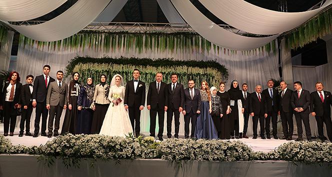 Cumhurbaşkanı Erdoğan Denizli'de nikah törenine katıldı
