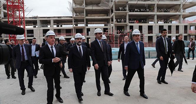 Bakan Kurum: 'Sur Yapı Antalya, örnek bir şehircilik projesi'