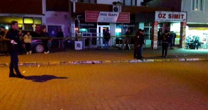 Alkollü şahıs baba ile oğlunu silahla vurdu: 1 ölü, 1 yaralı