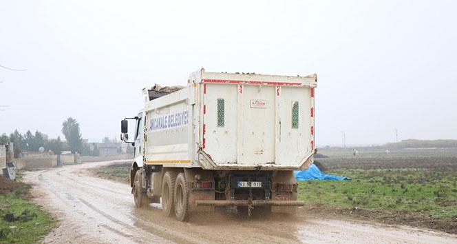 Sınırda kamyon hareketliliği