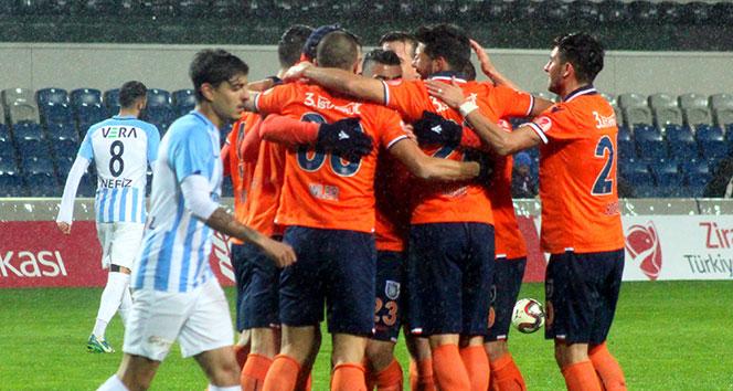 Başakşehir 2 golle turladı