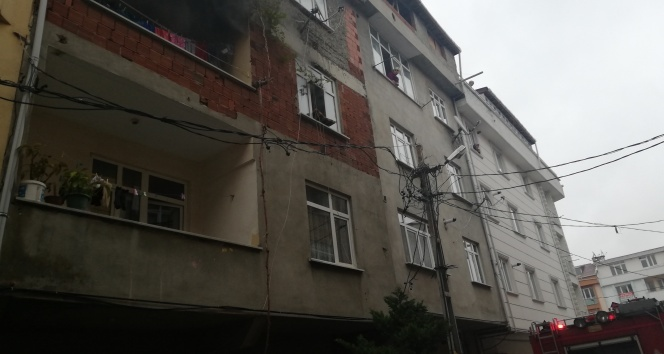 Çocukların devirdiği elektrikli soba yangın çıkardı
