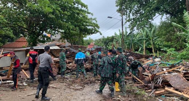 Endonezya'da tsunami: Çok sayıda ölü ve yaralı var