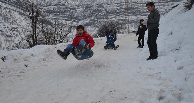 Afyonkarahisar'da eğitime kar engeli | Afyon'da 16 Ocak okullar tatil mi?