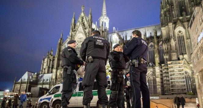 Almanya'da korona virüsüne karşı tedbirler arttırıldı