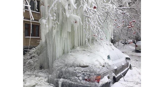 Rusya buz şehrine döndü