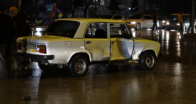 Bursa'da sağanak yağış kazayı da beraberinde getirdi