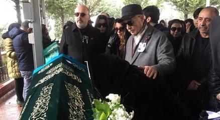 Oyuncu Hande Erçel'in acı günü  Aylin Erçel cenaze töreni