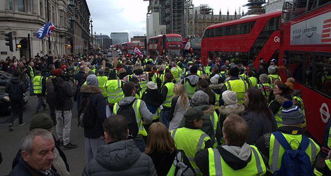 Sarı Yelekliler, Londra'da hükümeti istifaya çağırdı