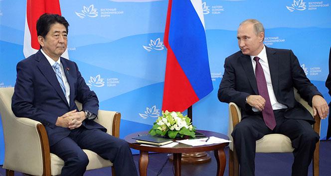 Putin ve Abe barış anlaşmasını görüşecek
