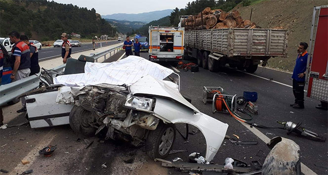 Trafik canavarı kana doymadı! 1 yılda 3 bin 373 kişi öldü...