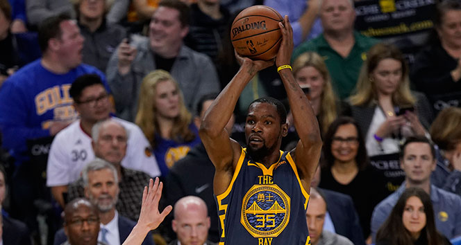 Golden State Warriors'dan rekorlarla gelen galibiyet