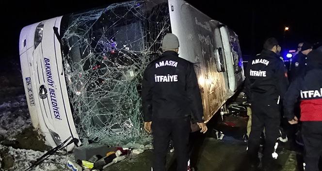 Amasya'da yolcu otobüsü devrildi: 2 ölü, 35 yaralı