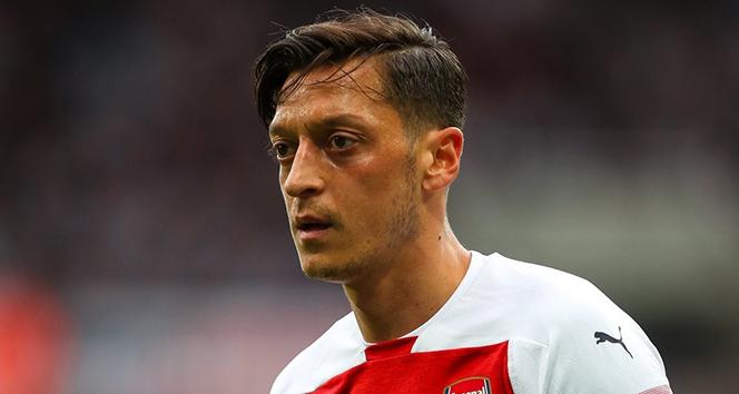 Unai Emery, Mesut Özil'in ayrılacağını düşünmüyor