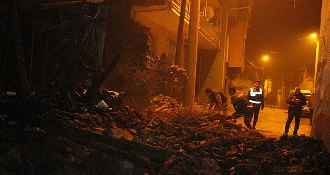 Manisa'da bahçe duvarı yıkıldı