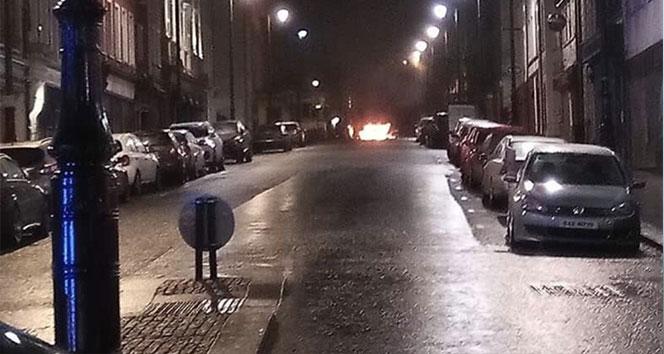 Kuzey İrlanda'da bomba yüklü araç patladı !