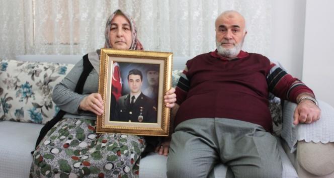 Zeytin Dalı Harekatı'nda şehit düşen Fatih Mehmethan'ın baba evinde Türk bayrağı dalgalanıyor