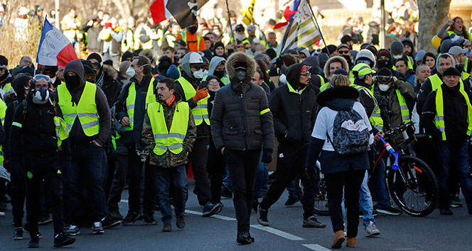 Fransa meclisinde 'Sarı Yelekliler' karşıtı yasa