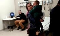 Hasta çocuklar ağladı, doktor iskambil oynadı