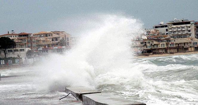 Meteoroloji'den Ege Denizi'nde fırtına uyarısı...