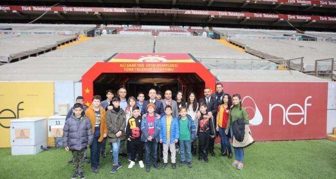 Şehit ve gazi çocukları Türk Telekom Stadyumu'ndaydı