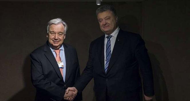 Poroşenko ve Guterres, Davos'ta 'barış' konulu görüşme yaptı