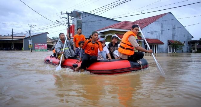 Endonezya'da ölü sayısı 30'a yükseldi
