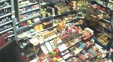 Hem hırsızlık hem de bıçaklama anı kamerada