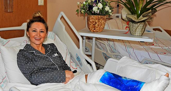 Şarkıcı Pınar Aylin hastaneden taburcu oldu: 'Kafa üstü taşın üzerine uçtum'