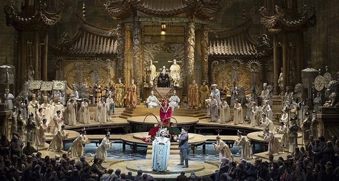 'Carmen' ve 'Turandot' İstanbul'da
