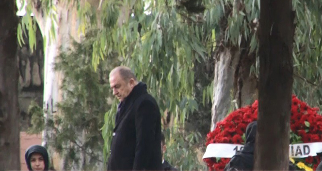 Fatih Terim, babasının mezarını ziyaret etti