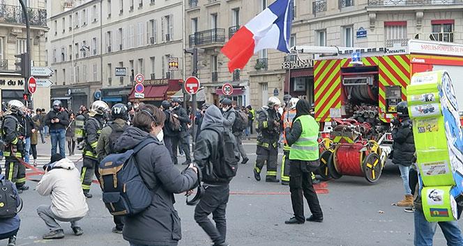 Fransa'da Sarı Yelekliler eylemi 13. haftasında
