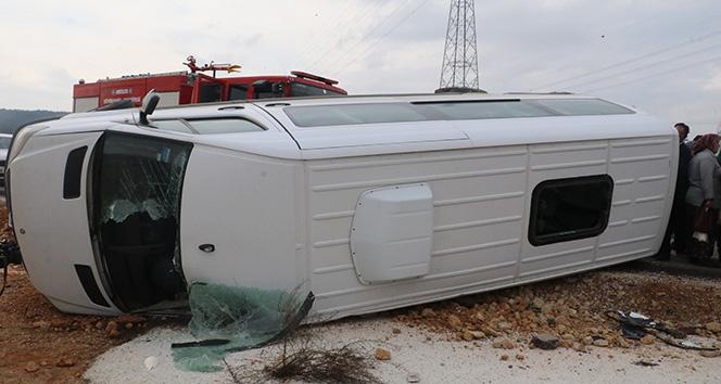 Özel öğrencileri taşıyan servis kaza yaptı: 9 yaralı