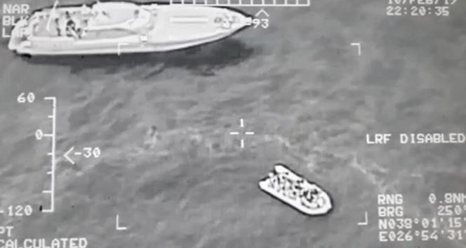 Kuşadası Körfezi'nde 118 kaçak göçmen yakalandı