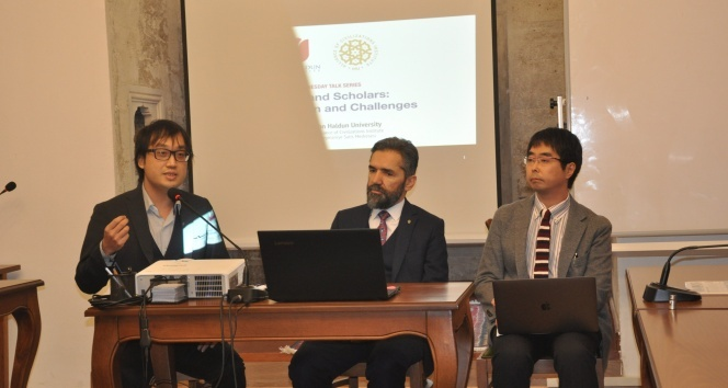 İbn Haldun Üniversitesi'nde hadis paneli düzenlendi