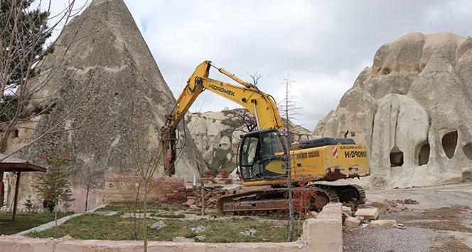 Kapadokya'da 6 kaçak yapı yıkıldı