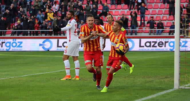 Kayserispor evinde 2 golle kazandı