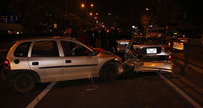 İzmir'de asker uğurlama konvoyu kaza yaptı: 3 yaralı