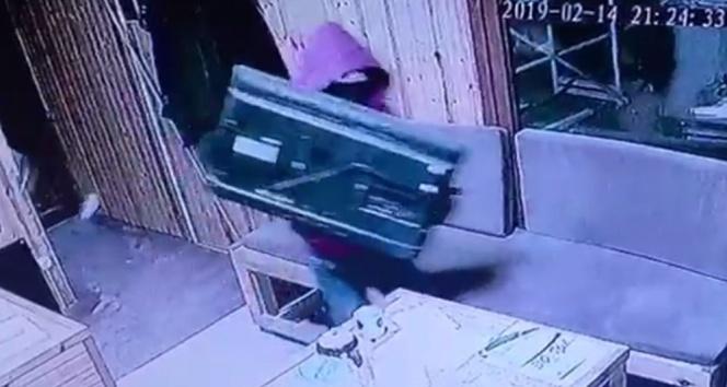 20 saniyede televizyon hırsızlığı kamerada