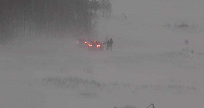 Ardahan'da ulaşım ve eğitime kar engeli