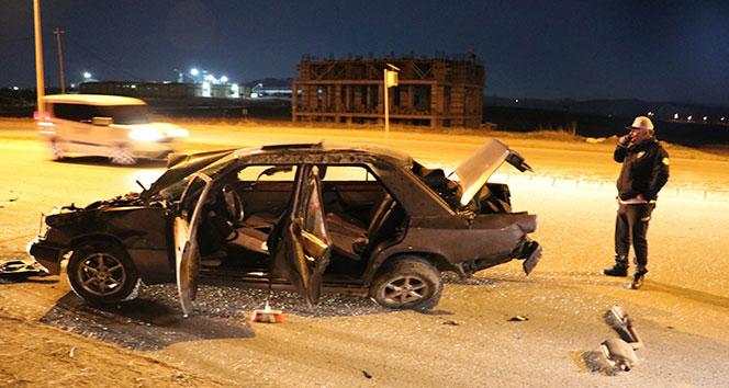 Sivas'ta takla atan otomobil metrelerce sürüklendi: 3 yaralı