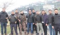 Asayiş uygulamasına takılan Beyazıt Öztürk polislerle fotoğraf çektirdi