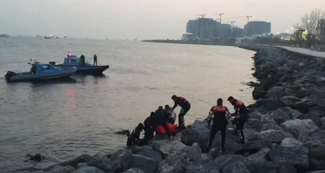 Fatih'te Afgan uyruklu genç denizde boğularak öldü
