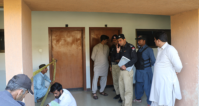 Karaçi'de 5 çocuk gıda zehirlenmesinden öldü